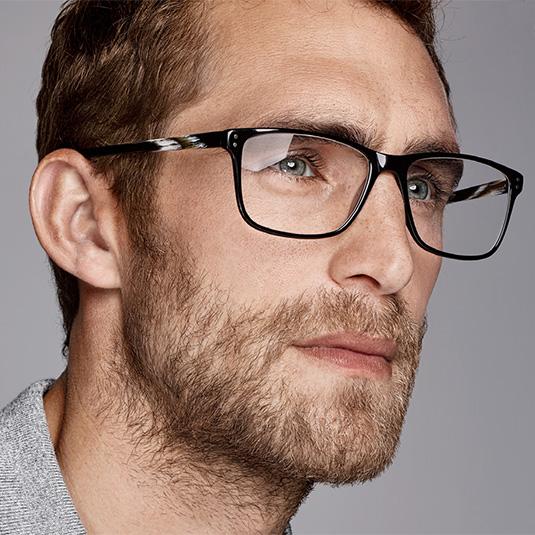 Mann mit Brille von s.Oliver Black