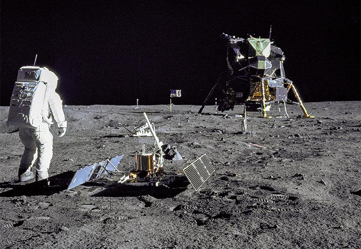 Kopp-Kirsamer - NASA_aldrin_looks_back_152495main_image_feature_616b_ys_full
